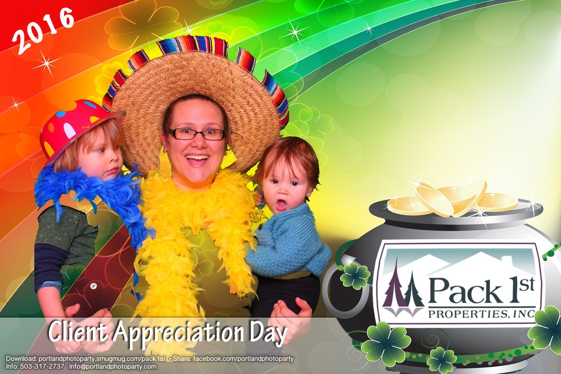 Portland oregon photo booth photobooth corporate event green screen